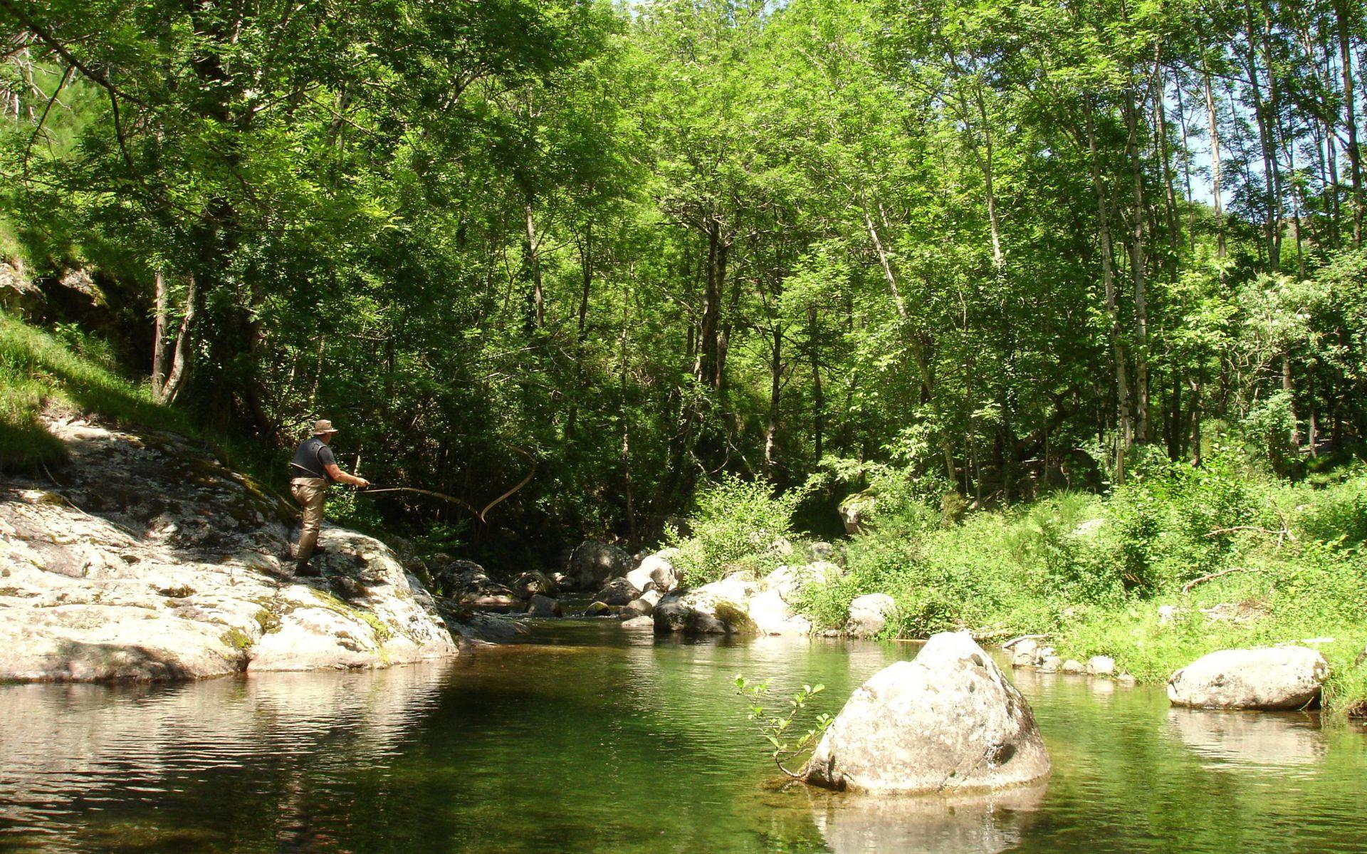 PRADES les communes limitrophes  - Ardèche Rivière l\'ardeche