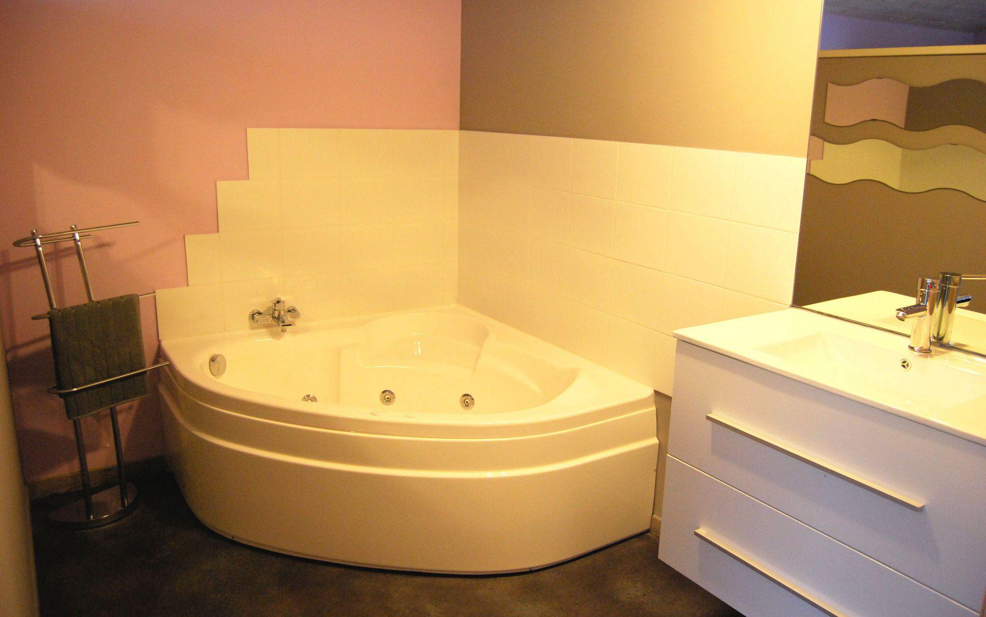 Suite Parentale & sa Balnéo - Gite Ardèche 11 personnes 4 chambres